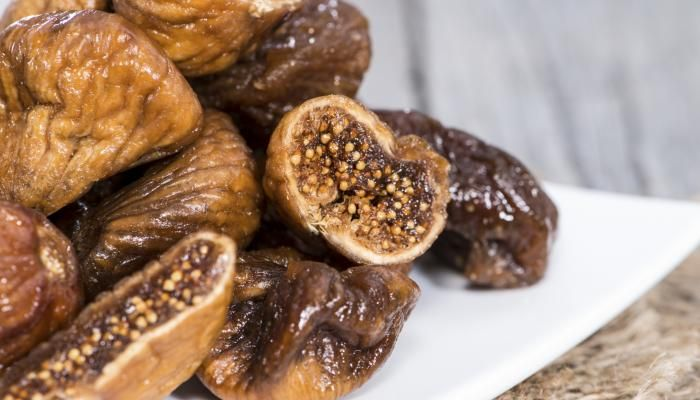 Lovers' Figs in Honeyed Wine with Mascarpone | The Splendid Table