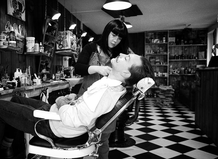 Education is the key we had last sunday 💈#barber #barbergirl #men #mensfashion #relax#enjoy#love#work#marcoilfigaroebarbiere #staff#moustache#barbershop#barberzurich#zurich#zurichbarber#switzerland #london #losangeles #blackandwhite#jbeverlyhills #gentleman #cleanshave#razor#proraso#rockabilly#rocknroll#captainfawcett #photography