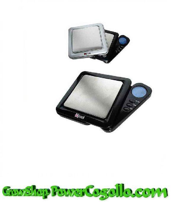 Báscula Digital Kenex Eclipse-100gr\/ 0,01grEsta Báscula fabricada por Kenex es perfecta para pesar articulos que requieren la maxima precision. La básculas Kenex son modelos de balanzas electrónicas muy económicos, lo cual no significa que no sean balanzas de calidad. ·  Características:   Peso Máximo: 100g  Precisión: 0.01g  Modalidades de peso: g \/ dwt \/ gn \/ ct  Colores: Plata  Pilas: 2 x AAA (incluido)  Protección de sobre carga, Plataforma de acero inoxidable, ...