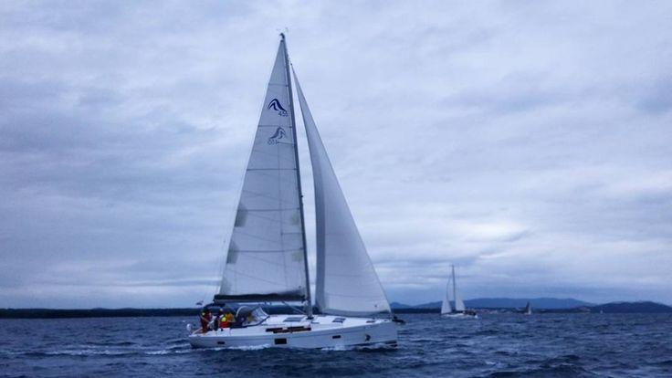 """Как говорит наш судья Себастьян: """"Лучше в дождь быть в море чем в офисе в солнечный день"""". Это правда мы все сейчас очень счастливы! #яхтклубнавигатор #яхтинг #яхтклуб #яхтапарус #яхта #хорватия #майские #пасха #регата #адриатика #отпуск2016 #отпуск #ycnavigator #sailboat #sailingboat #sailing #croatia #regatta by ycnavigator"""