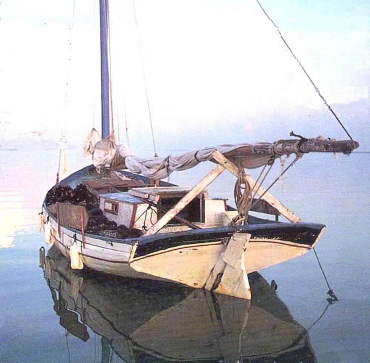 Beach built boat from Haiti-bahama-sponger.jpg