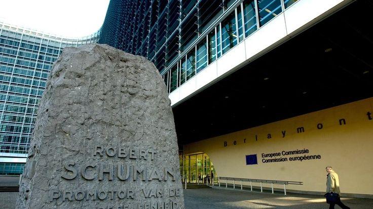 Pétition · Pour des mesures fortes et exemplaires contre JM Barroso pour avoir rejoint Goldman Sachs · Change.org