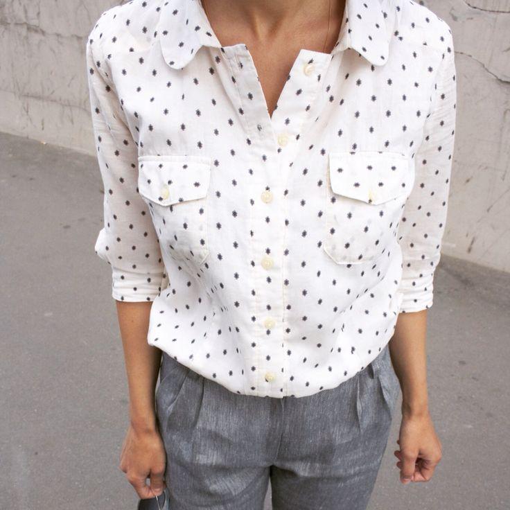 Блузка. Состав ткани: хлопок Цвет: белый  Шорты. Состав ткани: лен с хлопком. Viavestis.ru  #рубашканазаказ #блузканащаказ #блузкабелая #рубашкабелая #viavestis #рубашкаженская #одежданазаказ #shirt #shorts #clothesandaccessories