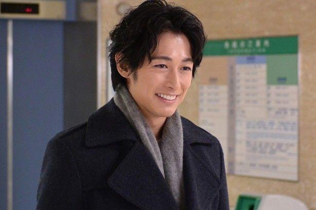 日本テレビ系で毎週日曜夜10:30から放送されているドラマ「今からあなたを脅迫します」。武井咲と共にW主演を務めるディーン・フジオカが、ザテレビジョンの取材に応じ、現場のエピソードを明かした。本ドラマは、警察や探偵が解決できない事件を、人を...