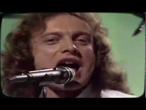 ▶ Foreigner - Feels like the first Time 1978 - YouTube