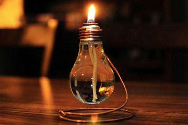 Riciclo lampadine: 13 idee design con le tue vecchie lampadine