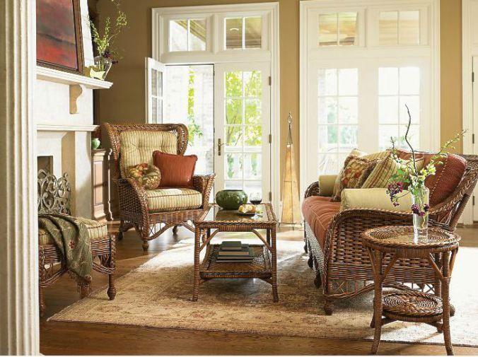 Indoor wicker furniture / Mobilier impletit in sufragerie
