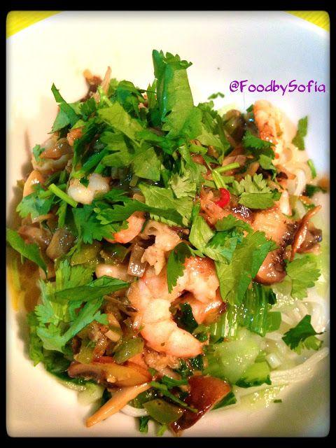 Food by Sofia: Camarão e cogumelos salteados com noodles de arroz...
