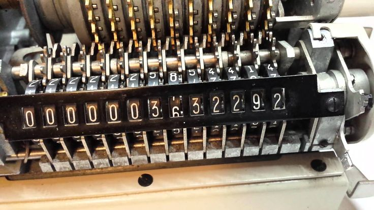 Pix For > Mechanical Calculator