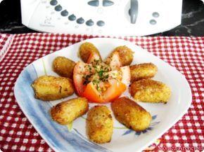 Croquetas de Pescado Ingredientes: 50 gr de aceite de oliva 75 gr de mantequilla 30 gr de cebolla 200 gr de harina simple de trigo 700 gr de leche Pimienta y sal 250 gr de atún (en lata) o de cualquier pescado (yo las hice de atún enlatado, escurriendo muy bien el aceite) Preparación: 1.- …