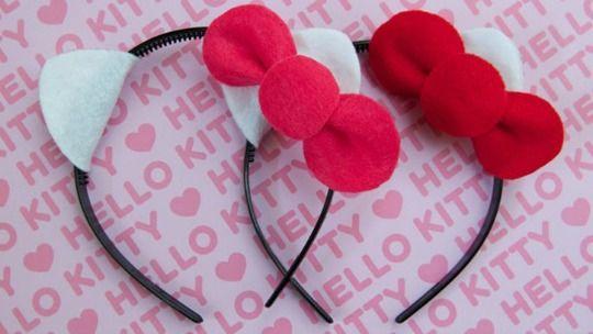 Hazlo tú mismo: Diadema de Hello Kitty : Compartimos hoy una diadema encantadora ideal para fiestas temáticas de Hello Kitty. Un proyecto muy bonito que gustará mucho a las niñas, además es tan se