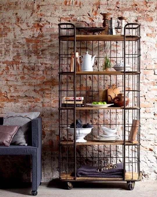 Hoe creëer je simpel een industriële look in jouw huis? Lees het hier!  Je hoeft daarvoor helemaal niet in een oude fabriek of watertoren te wonen, het is makkelijker dan je denkt!  www.homeseeds.nl | #industrieel #wonen #interieur