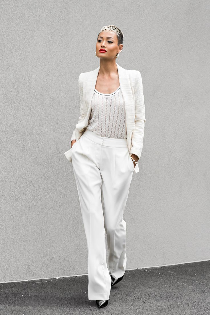 tank-top-with-blazer-and-wide-leg-pants