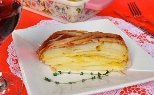 Мильфей - очень вкусный картофельный пирог, обернутый беконом и запеченный в духовке. Ингредиенты. Подробное описание приготовления.