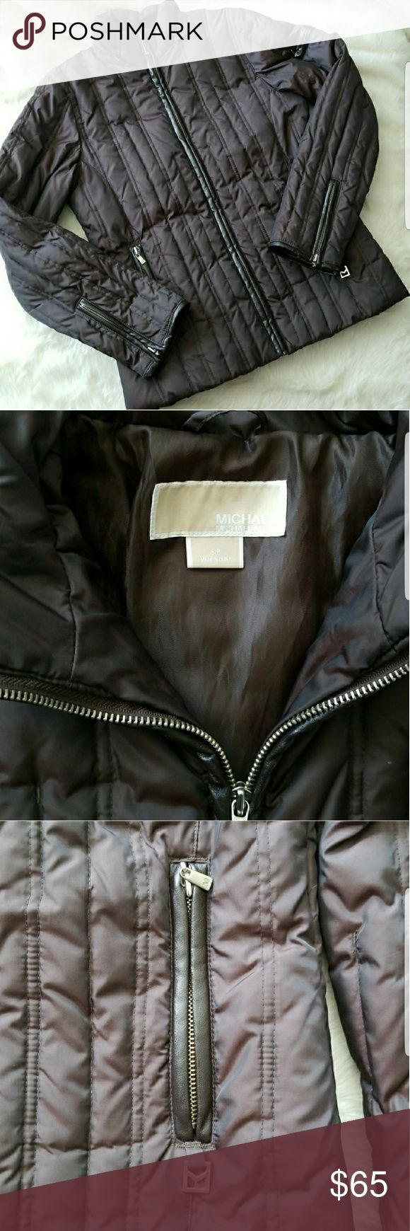 LOWBALL ME! Michael Kors Puffer Coat Brown puffer jacket from Michael Kors filled with 55% down and 45% waterfowl feathers.  Missing the fur hood and string on the inside to bunch but overall excellent condition! Size Small petite Michael Kors Jackets & Coats Puffers