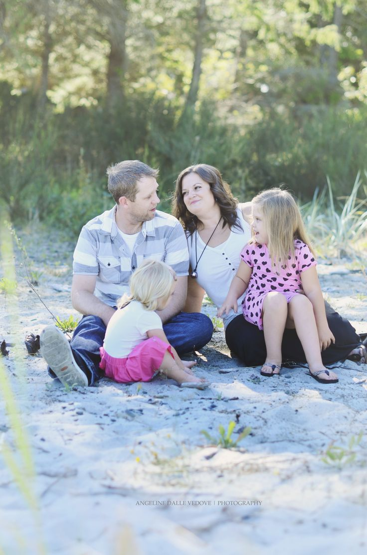 West Coast Family Photography.. Beach#Photography#Family  Angeline Dalle Vedove | Photography.  http://angelinedallevedov.wix.com/angelinedallevedove#!family/cwvn