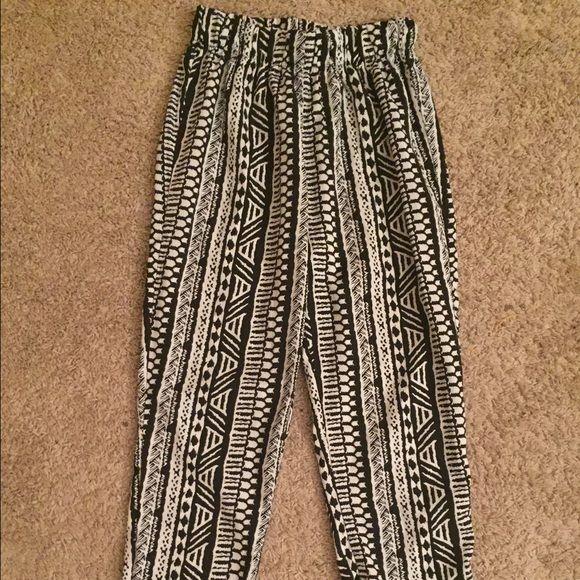 Tribal print pants Stylish tribal print bottoms! Ambiance Apparel Pants Ankle & Cropped