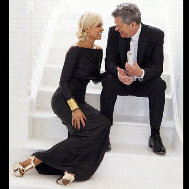 Yolanda and David Foster in gold and black <3