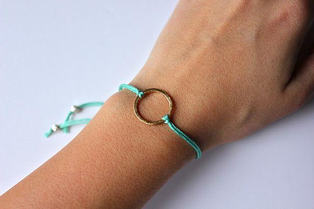 DIY bracelets: Bracelets Tutorials, Idea, Diy Fashion, Sweet Verbena, Simple Bracelets, Cute Bracelets, Diy Bracelets, Charms Bracelets, Bracelets Diy