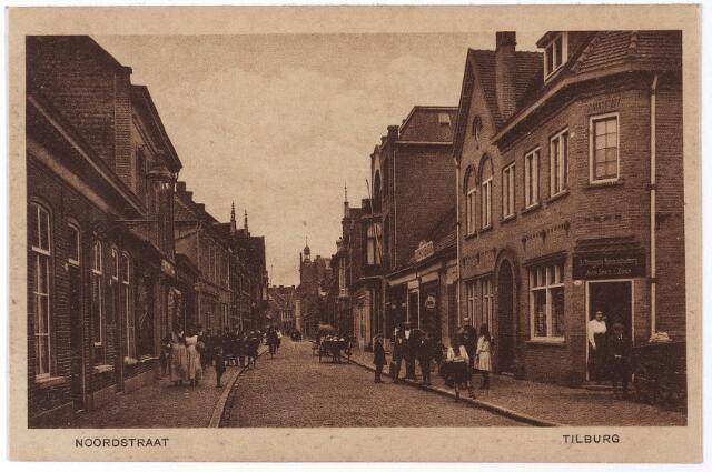 1914, hoek Noordstraat 83/Burgerijpad. De Tilburgsche Handelsdrukkerij van Jean Smits & Zonen. Laagbouw, een paar deuren verder op, werd in 1935 gesloopt na de dood van koffiebrander Jos van Iersel. Ter plaatse nieuwbouw: nr 87 werd een woonhuis, nr 87a een bovenwoning en nr 87b de koffiestroopfabriek van de gebroeders Van Iersel. Thans De Burgerij van fam. van Corven, Noordstraat 87.