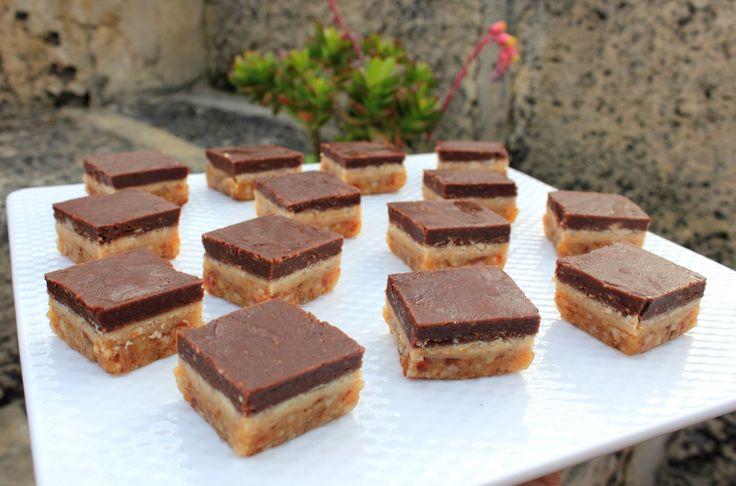 macadamia chocolate mint slice