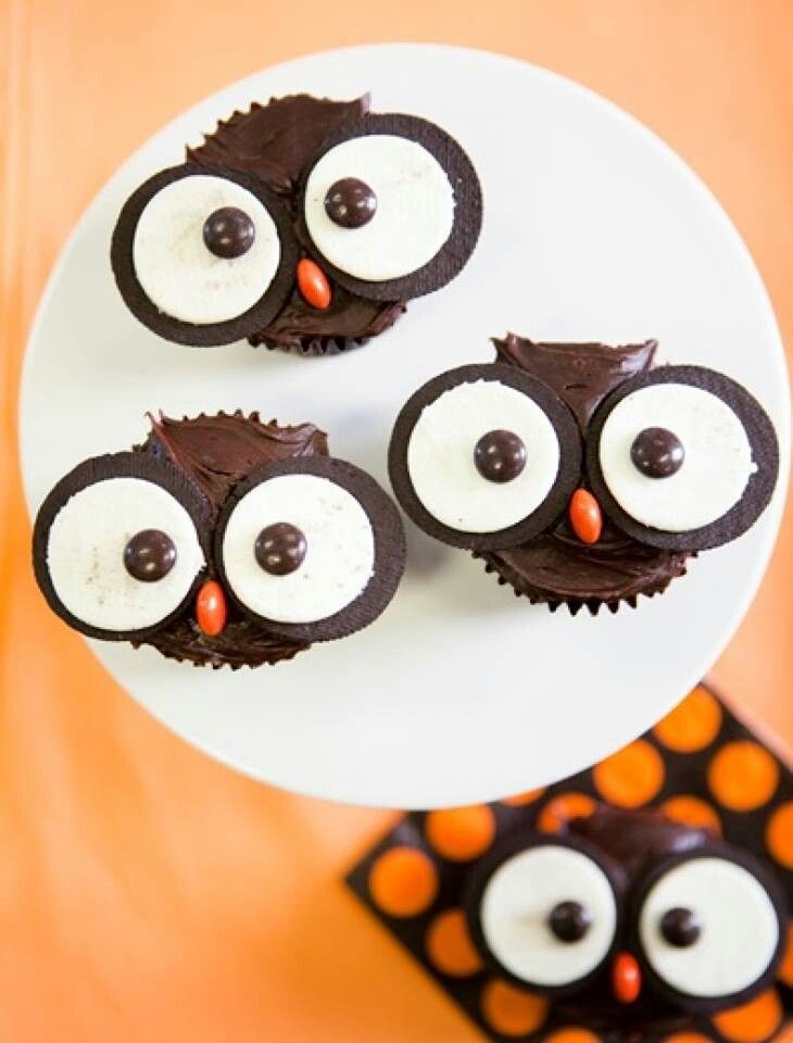 Owl cupcakes..holy crap I want to smash them they are so cute!!!