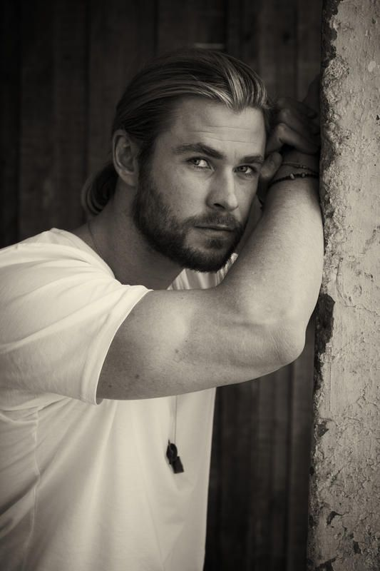 Chris Hemsworth. Finally, a picture where his tiny eyes aren't totally distracting.