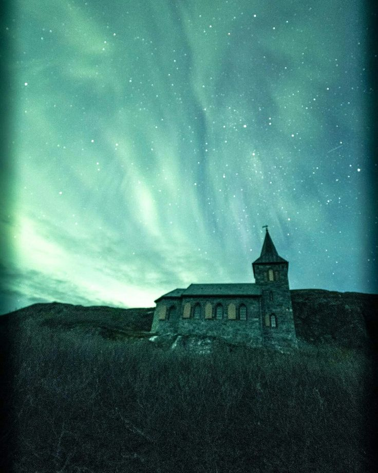 Northernlight safary in Norway. From two nights ago in Kirkenes. Kirkenes astrocamp offer tours every day. Welcome!