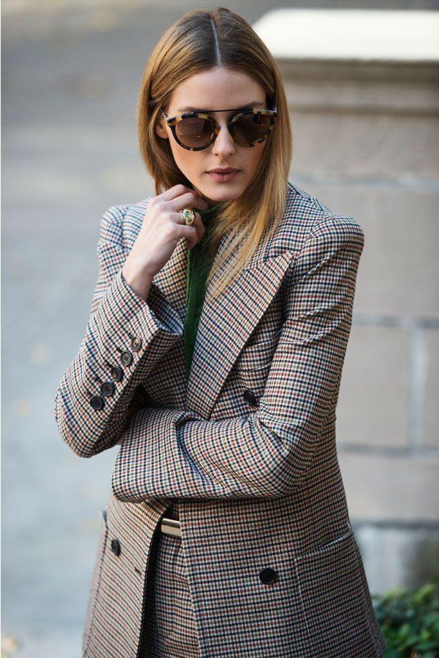 Se lleva, se lleva. Traje de chaqueta clásico con un corte moderno . Chic y perfecto para el otoño.