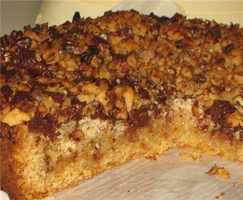 Пряный пирог из овсянки со сгущенным молоком.