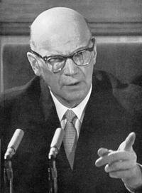 """. El Presidente finés Urho Kekkonen declararía en septiembre de 1963: """"Cuando hoy en día, 20 años después, nos ponemos en la posición de la Unión Soviética, a la luz de la invasión de Hitler en 1941, la preocupación que la Unión Soviética tenía, y debía tener, en relación con su seguridad al final de la década de los 30 se vuelve comprensible."""""""