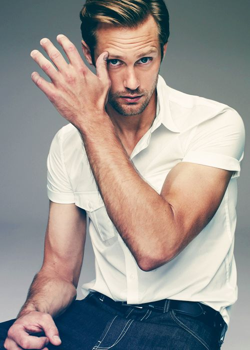 Alexander Skarsgard Yeah I know I pinned him again he's one of my favorites!! I wish He'd bite me. Mmmmmmm
