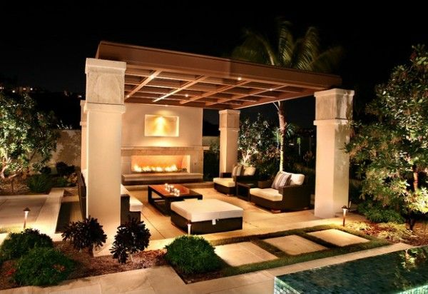 Outdoor fireplace in outdoor living room home garden for Outdoor rooms with fireplaces