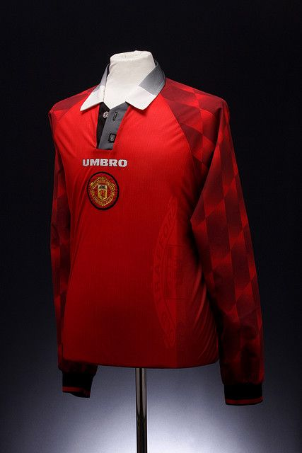 Manchester United Football Shirt (1996-1998, home)