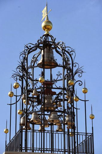 245 best images about cloches et clochers on pinterest for Chateau angelus