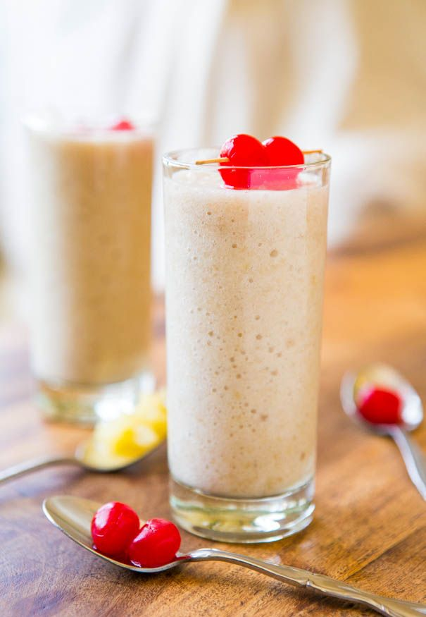 Skinny Pina Colada Smoothie (vegan, GF) - Under 100 calories for a creamy, rich & satisfying smoothie that tastes like the real deal! 2-minute recipe!