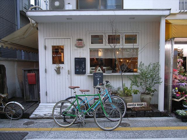 All cute shops seem to have a bicycle parked right outside. Café lotta / yuko honda