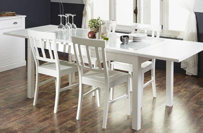 Esstisch mit Stühlen Charlotte II 4tlg. In reinem Weiß erstrahlt dieses Esszimmer der Möbelkollektion Charlotte. Es lädt dazu ein, sich an den Tisch zu setzen, die Düfte der Küche...