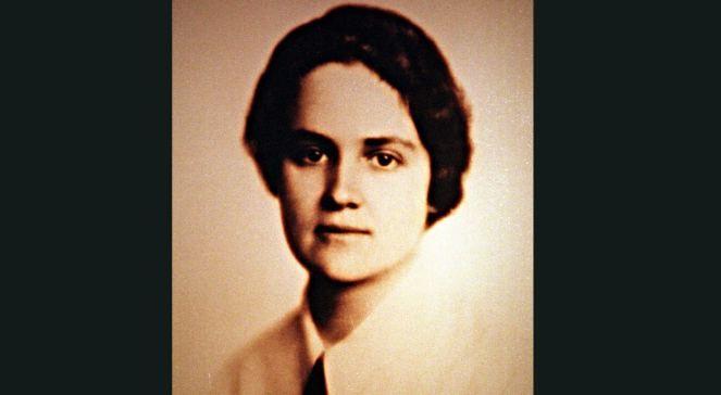 - Czy oddanie wszystkich sił temu, co się najbardziej kocha jest zasługą? Myślę, że nie. Moją ziemską boginią jest nauka polska, przyszło mi jej służyć w sposób różnorodny, zależny od zmiennych losów ojczyzny - mówiła prof. Karolina Lanckorońska.
