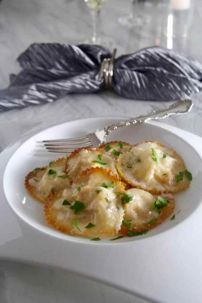 Baked Lobster Ravioli , Lemon Butter Cream Sauce. CuisinesHomard Queue  RecettesQueues