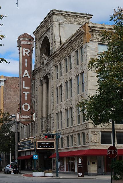 Rialto Theater - Joliet, Illinois  Joliet Campaign  I lead a creative services campaign for Comcast spotlight that highlights staples in the Joliet, Illinois area as a marketing strategy to increase tourism and overnight traffic.