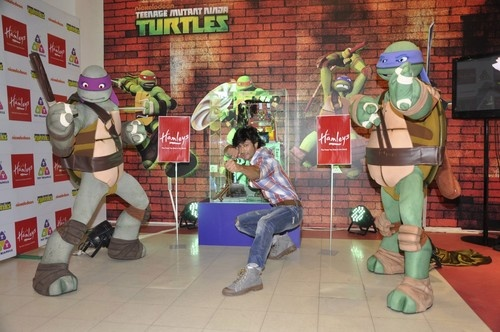 Vidyut Jamwal Launches a New Range of Nickelodeon's Ninja Turtle Toys
