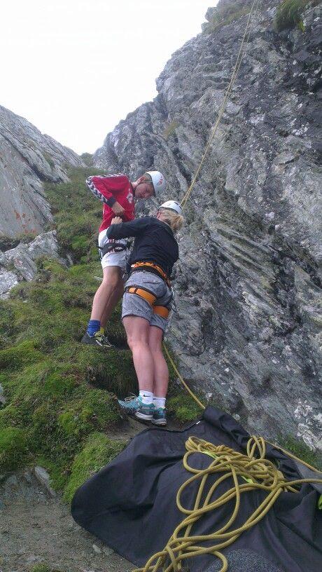 Maj-Britt og Kristian søger for alt udstyr til alle udflugter.
