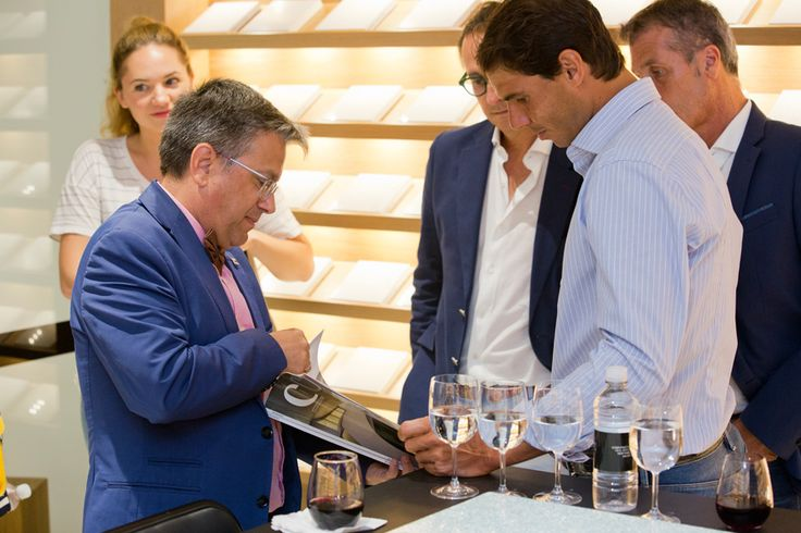 Rafa Nadal had the opportunity of seeing all the different areas of our Cosentino City in Manhattan and of personally meeting a number of Cosentino´s New York customers and parterns. #CosentinoWithNadal