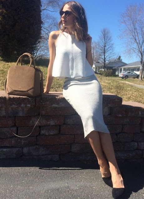 Fashion trends | Loose tank top and pencil skirt