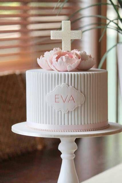 bolo branco de primeira comunhão
