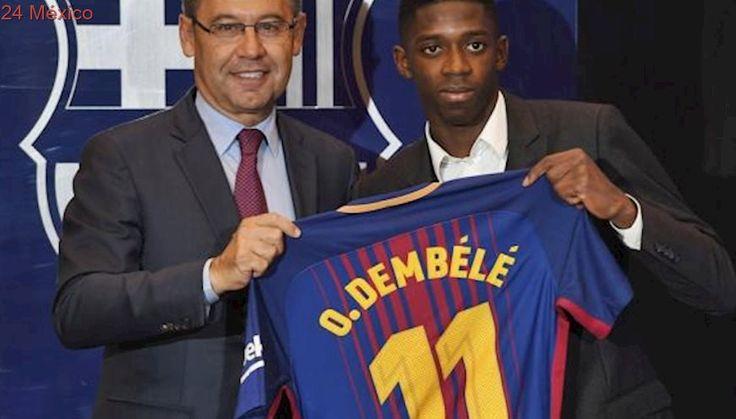 Dembélé presentado con el FC Barcelona ante miles de aficionados