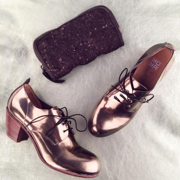 #moma #shoes #metallic #leather #christmas #purse #presents #ideas #rossiundco #online #sale #shop #booties #heels #bronze #madeinitaly #italy #italianshoes
