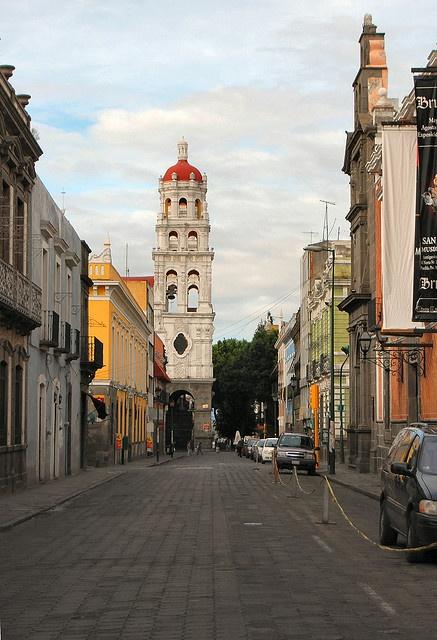 Las calles de #Puebla simplemente una chulada de ciudad
