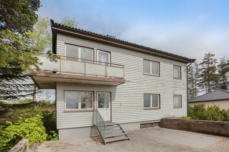 FINN – Monaryggen - Hel, eldre tomannsbolig m/stort potensial, sjarmerende hage, vidstrakt utsikt og flott beliggenhet.